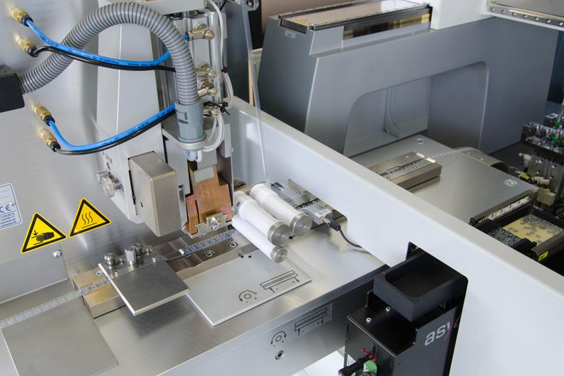 Verpacken in Jedec-Tray